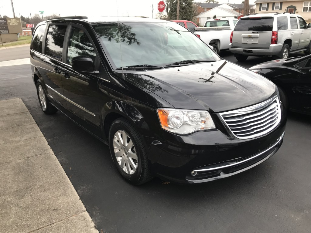 2016 Chrysler Town & Country Touring only 60,000miles full power doors and lift gate, remote start back up cam leather seats zero accidents new tires ready to travel!