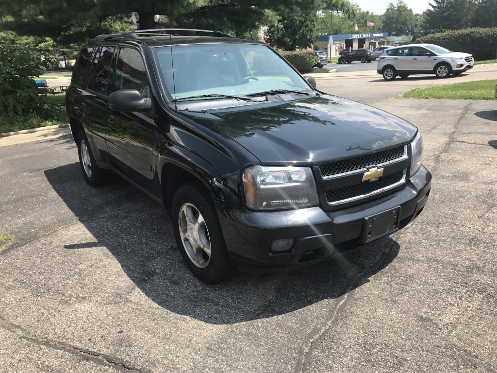 2009 Chevrolet trailblazer LT 4.2liter only 108,000miles runs and driver great! power seat locks windows cold a/c!!