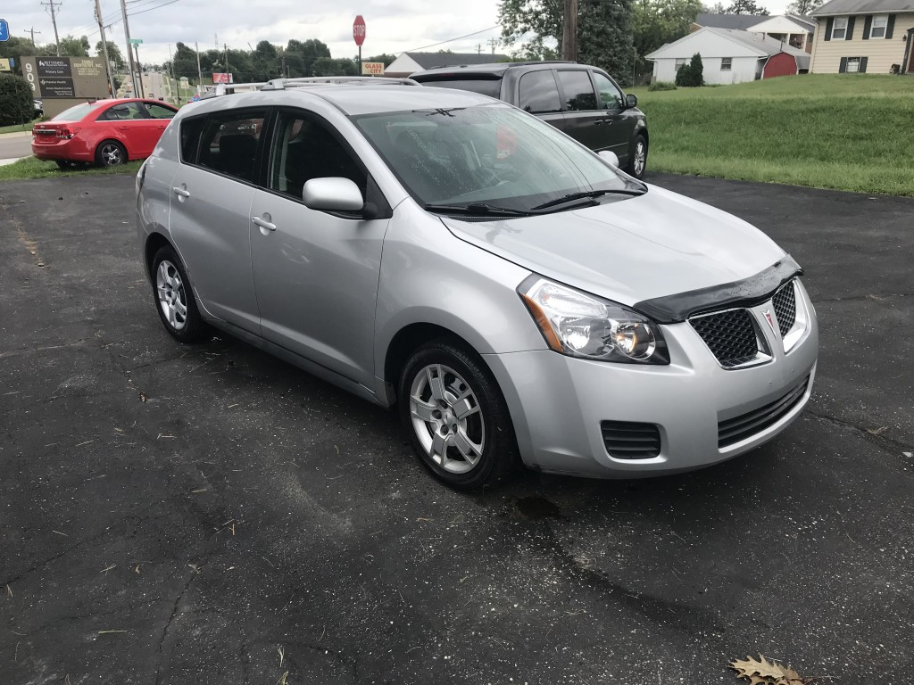 2010 PONTIAC VIBE  only 101,000miles all wheel drive new tires cold a/c power locks and windows with remote locks runs and drives great, this car is a Toyota matrix if you not familiar with the vibe/matrix