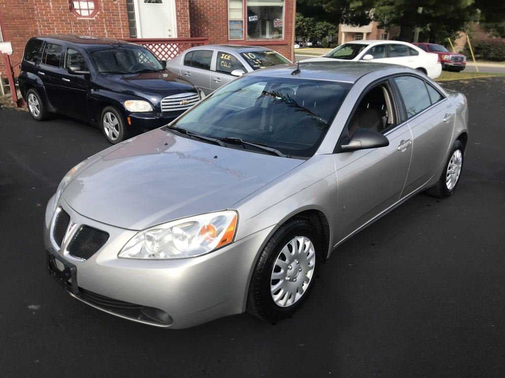 2008 Pontiac G6 2.4 liter 4cylinder auto with only 90,000 miles new tires with alignment new brakes and rotors runs and drives great!