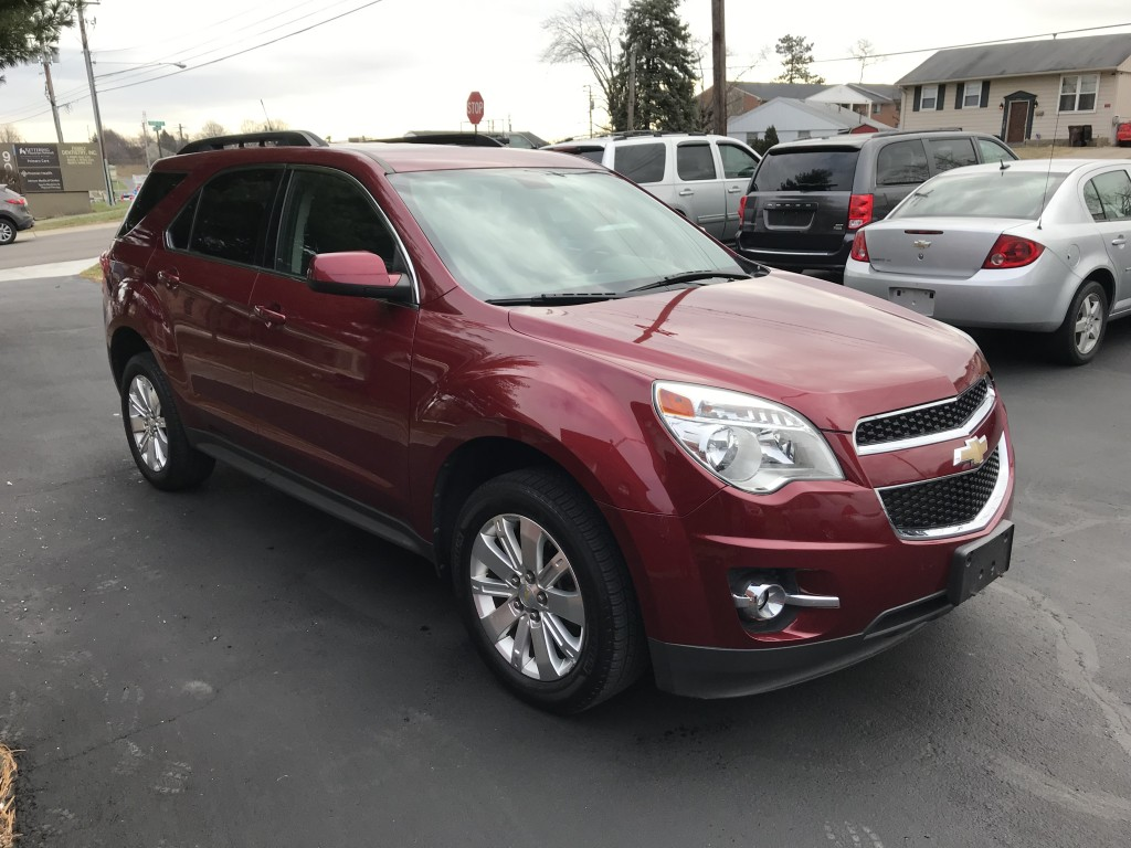 2011 Chevrolet equinox 2LT only 60,000miles heated leather seats sun roof and factory remote start and all wheel drive