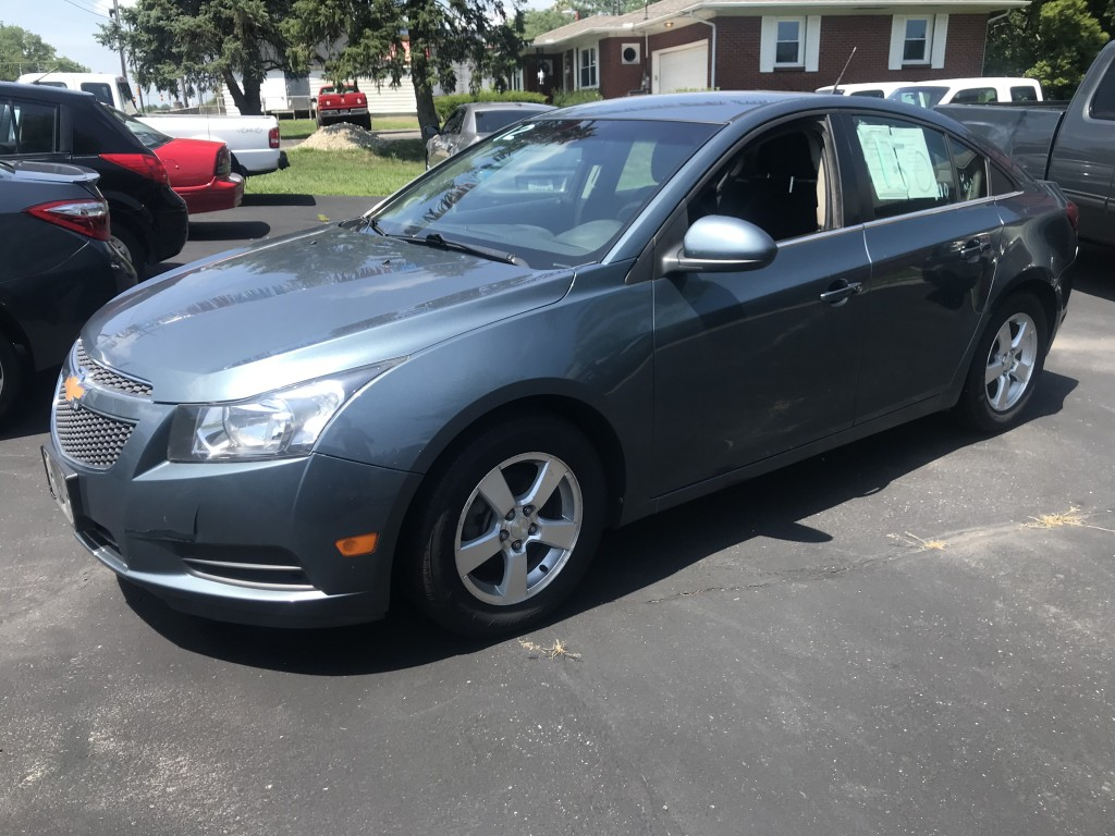 2012 chevrolet cruze LT only 64,000 miles 1.4L turbo cold a/c runs and drives great zero accidents great on gas!