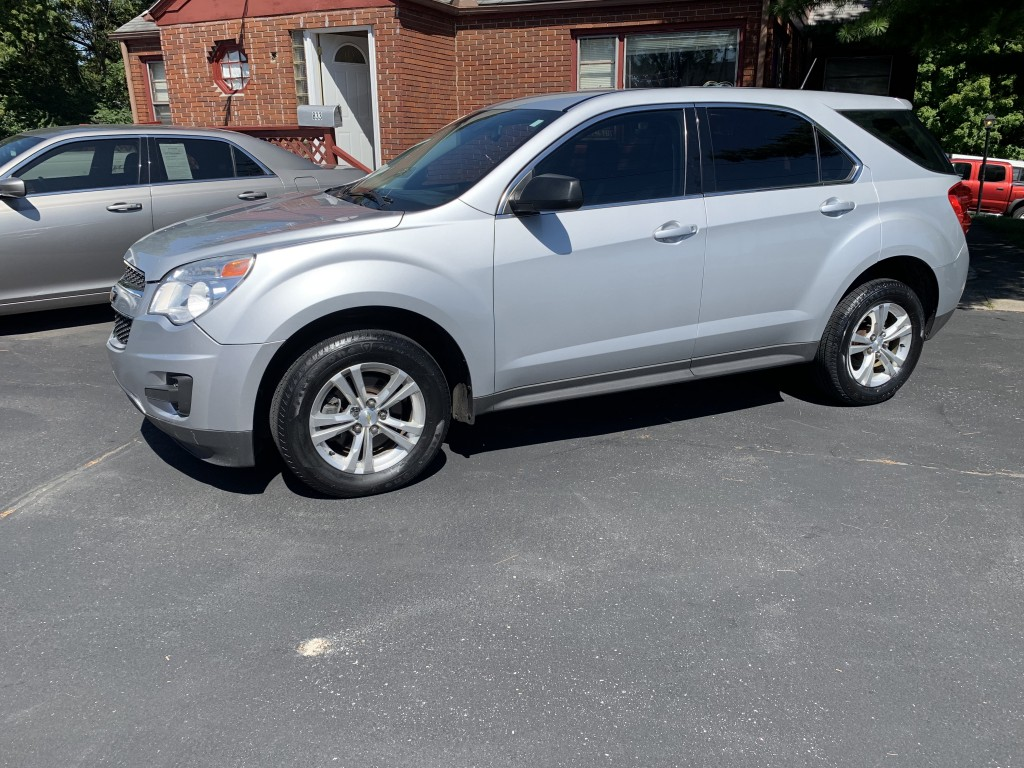 2013 chevrolet equinox only 64,000miles all wheel drive cold ac clean inside and out new firestone tires ready to go. drives like new