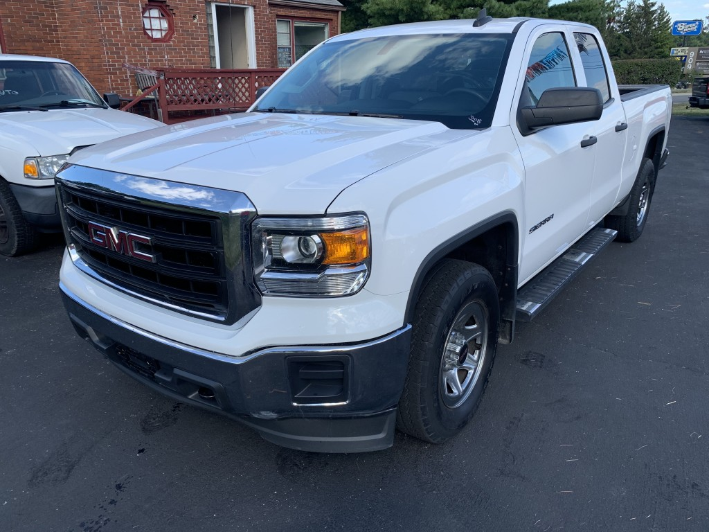 2015 gmc serria double cab 4x4 5.3 8 auto only 48,000 miles back up cam key less power locks windows ect zero accident nice clean truck