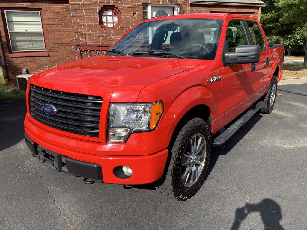 2014 ford f-150 super crew STX only 81,000miles 4x4 super cleanside and out zero rust new tires