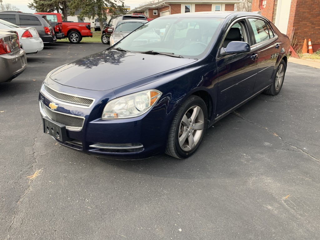 2009 chevrolet malibu 2lt only 23,000miles heated seats remote start sun loade one owner zero accidents